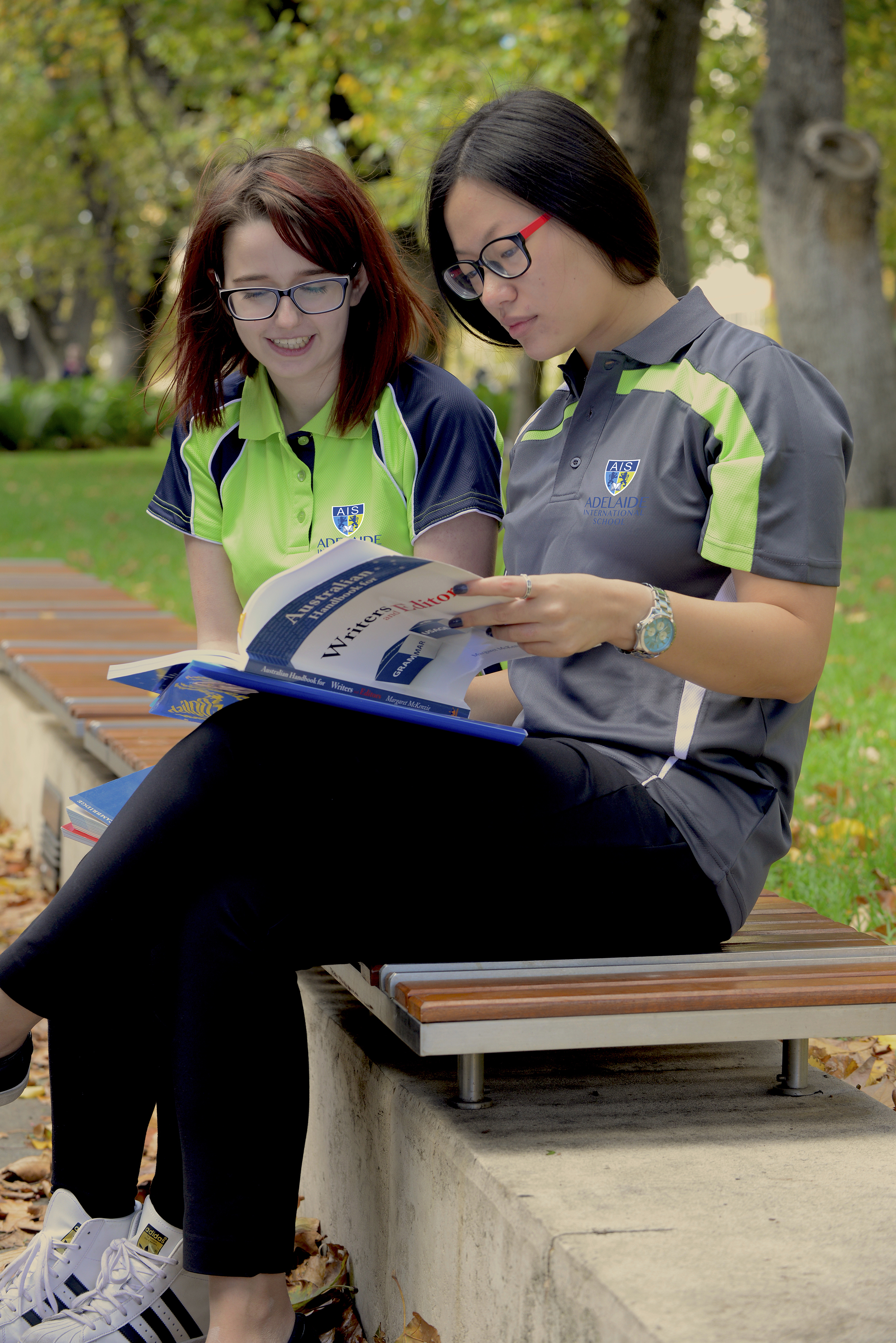 Students in the Uni Grounds - Adelaide is our Campus - Adelaide International School